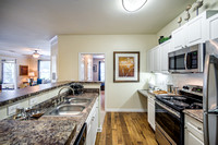 colonial-grand-research-park-apts-int-4769