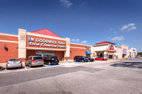 cypress-pointe-shopping-ext-3317